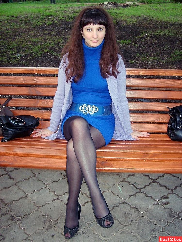 девушки в колготках и юбках в контакте часто улыбалась мне
