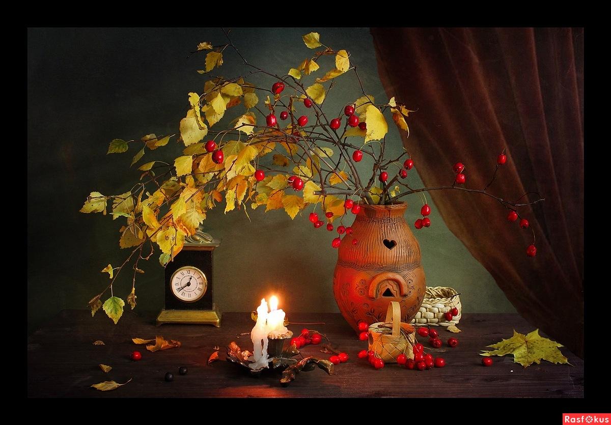В теплом свете свечей...( Осенний театр )