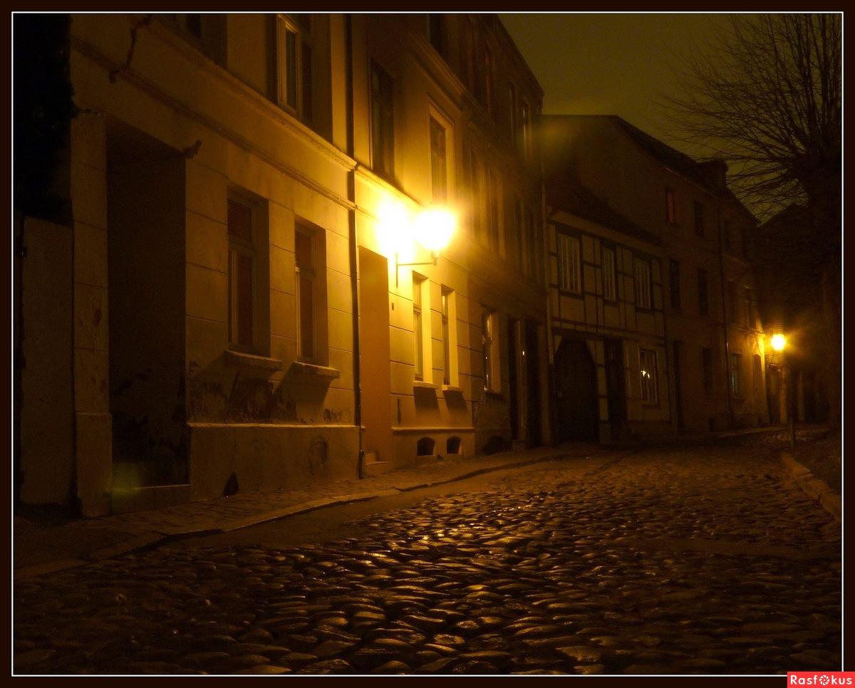 Секс ночью в переулке 16 фотография