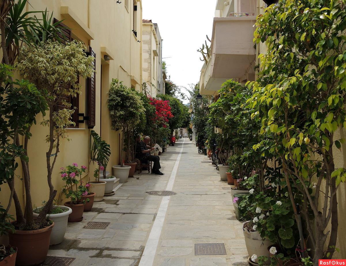 Улочка в Старом городе. Ретимно, Крит