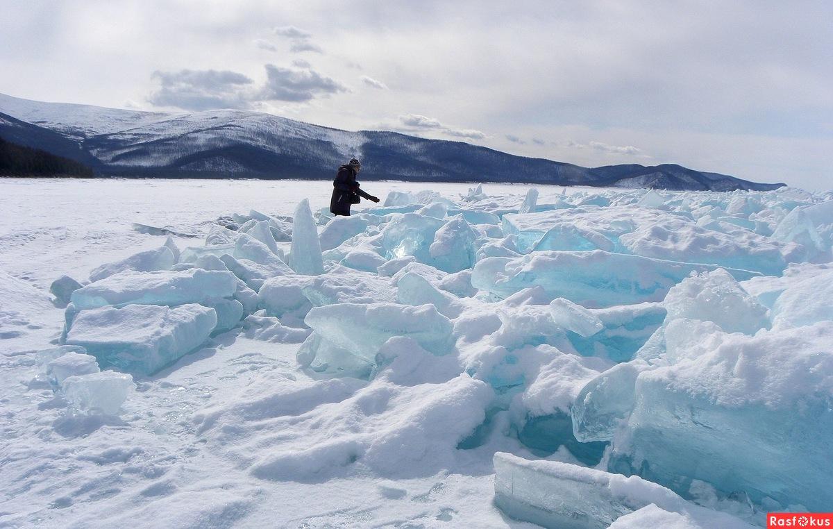 Во льдах Байкала.