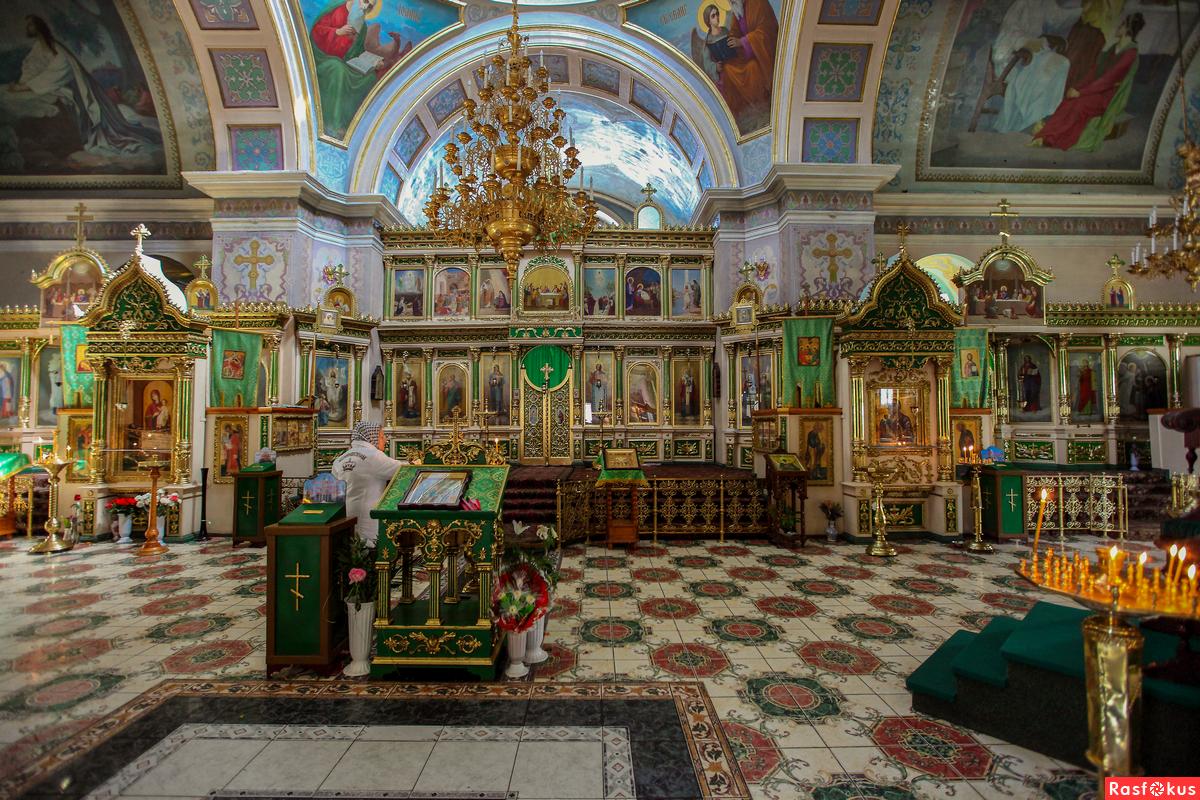 Где находится свято троицкий храм в 136