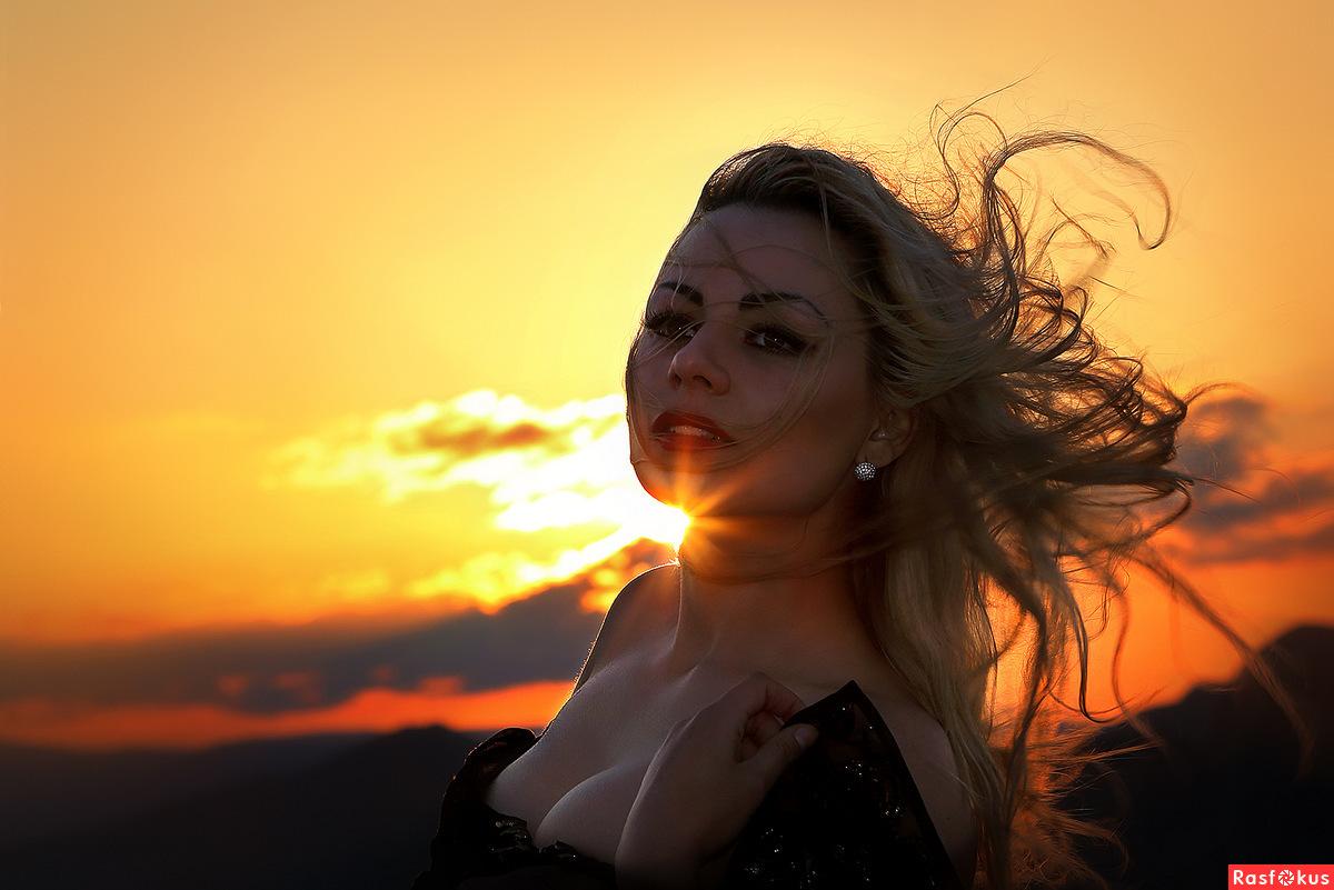 Фото красивых девушек в лучах солнца, Девушка в лучах солнца Girl in the sun Похожие фото 3 фотография