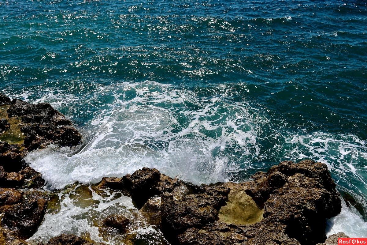 Вода и камни