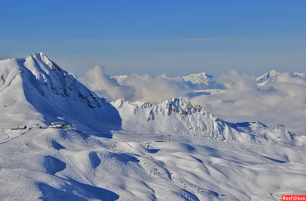 Бесконечность гор, снегов и трасс