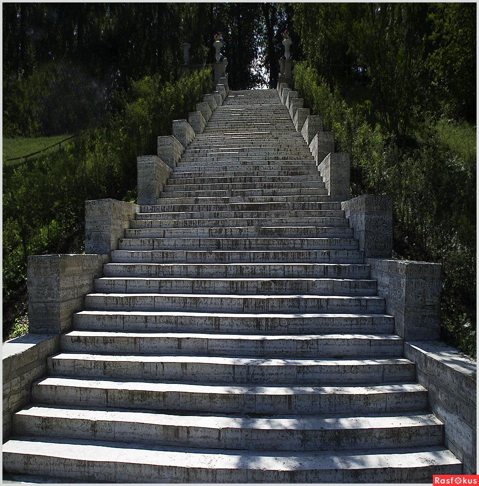Лестница вверх фото