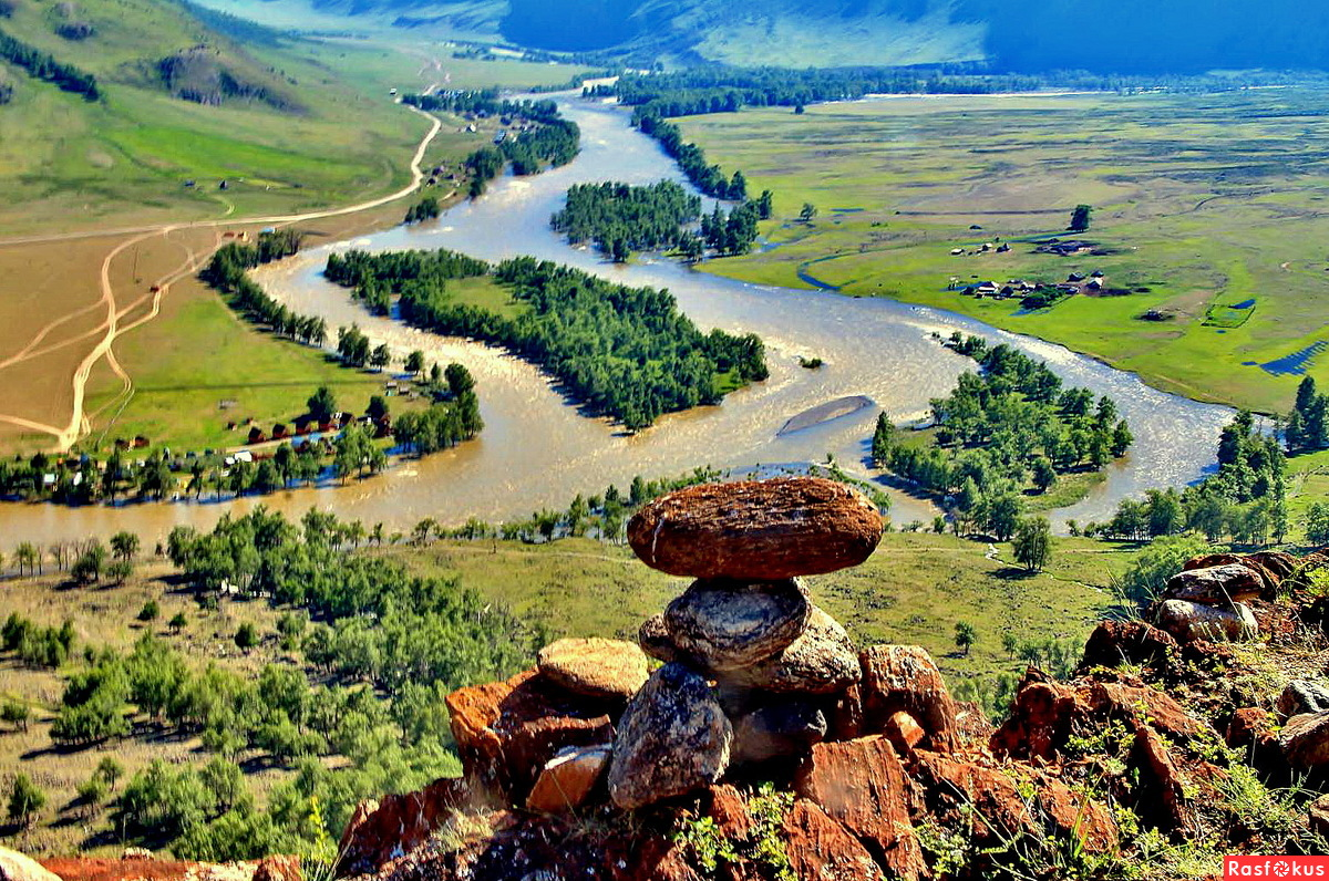 Вид на Чулышманскую долину
