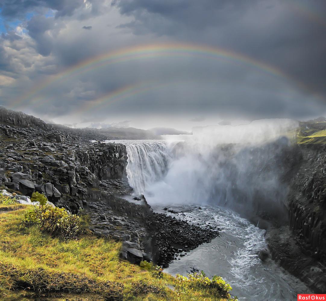 Водопад и радуга