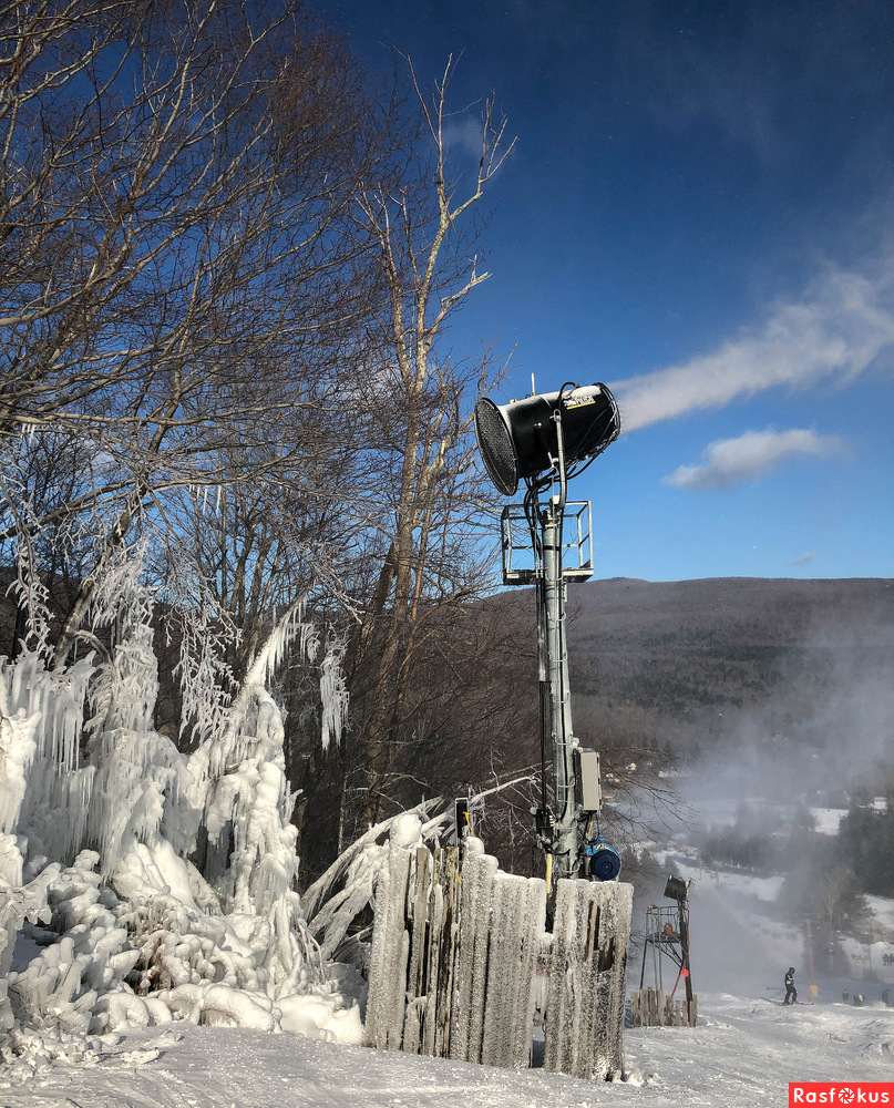 Snow guns are blowing....