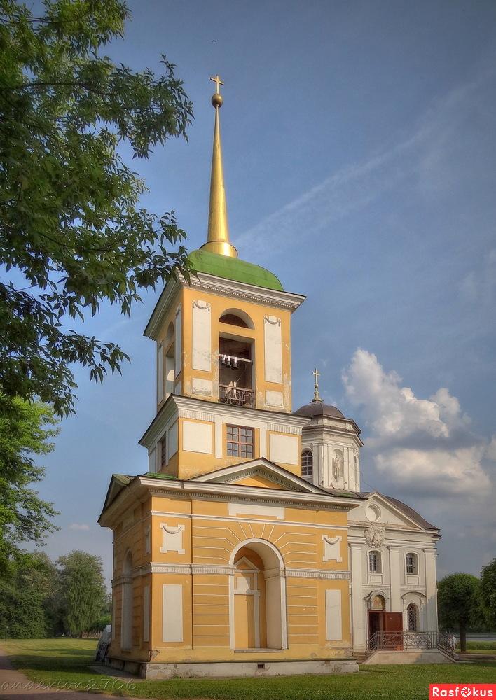 Церковь Спаса Всемилостивого в Кускове