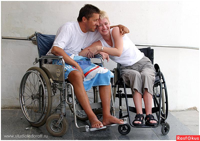 Смотреть как заниматься сексом инвалидам колясочникам 9 фотография