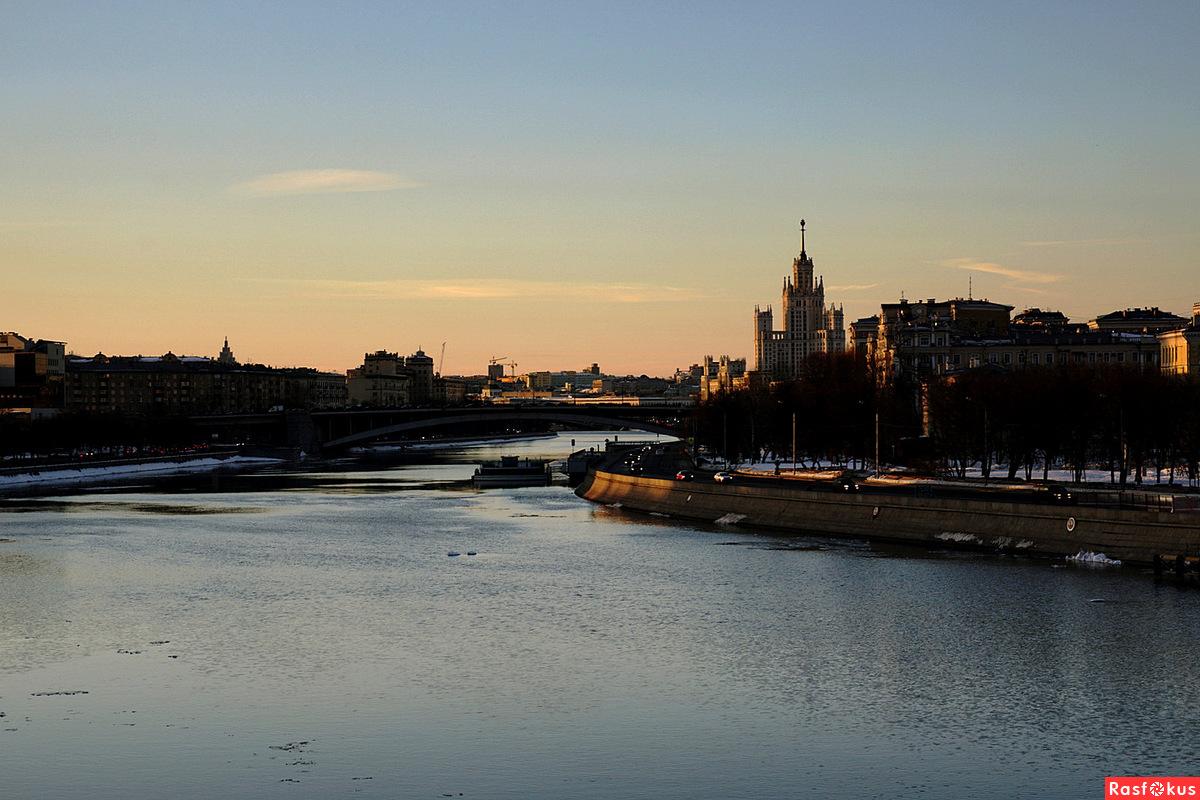 Вечер на Москве-реке