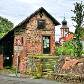 "The old Ferry House in the Village ""Neckarhausen"" ...."