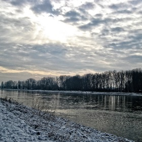 a Breath of Snow at the Rhine ...