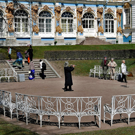 "... a serenade to say goodbye to the ""Catherine Palace"" ....."